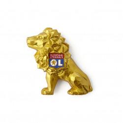 Gold lion magnet